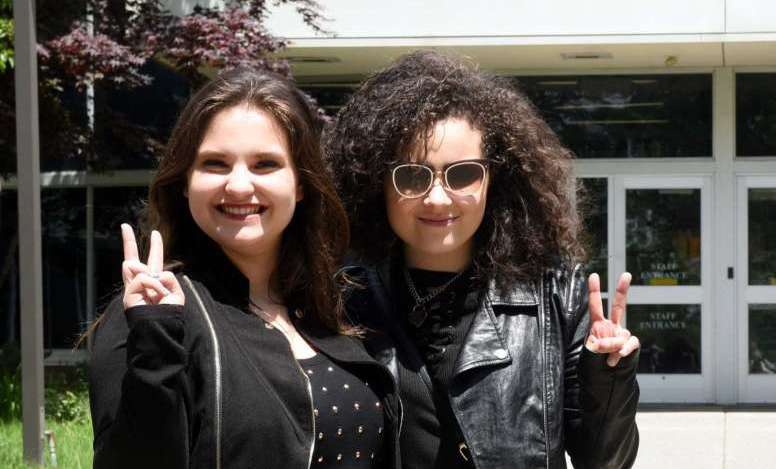 Moriah Formica, Madison VanDenburg are singers in sync